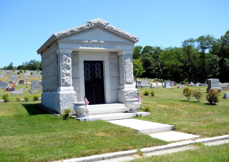 Gen. Jackson's grave Riverview Cemetery